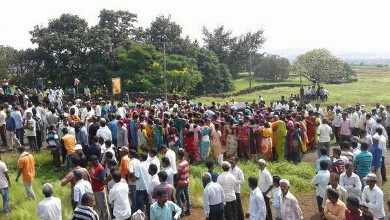 People in protest in Ratnagiri