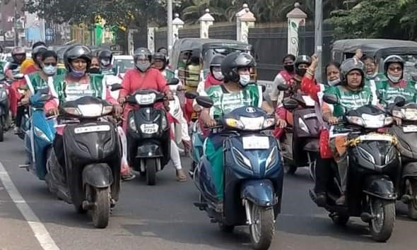 Vishakapatnam_Women_Farmers_bike_rally